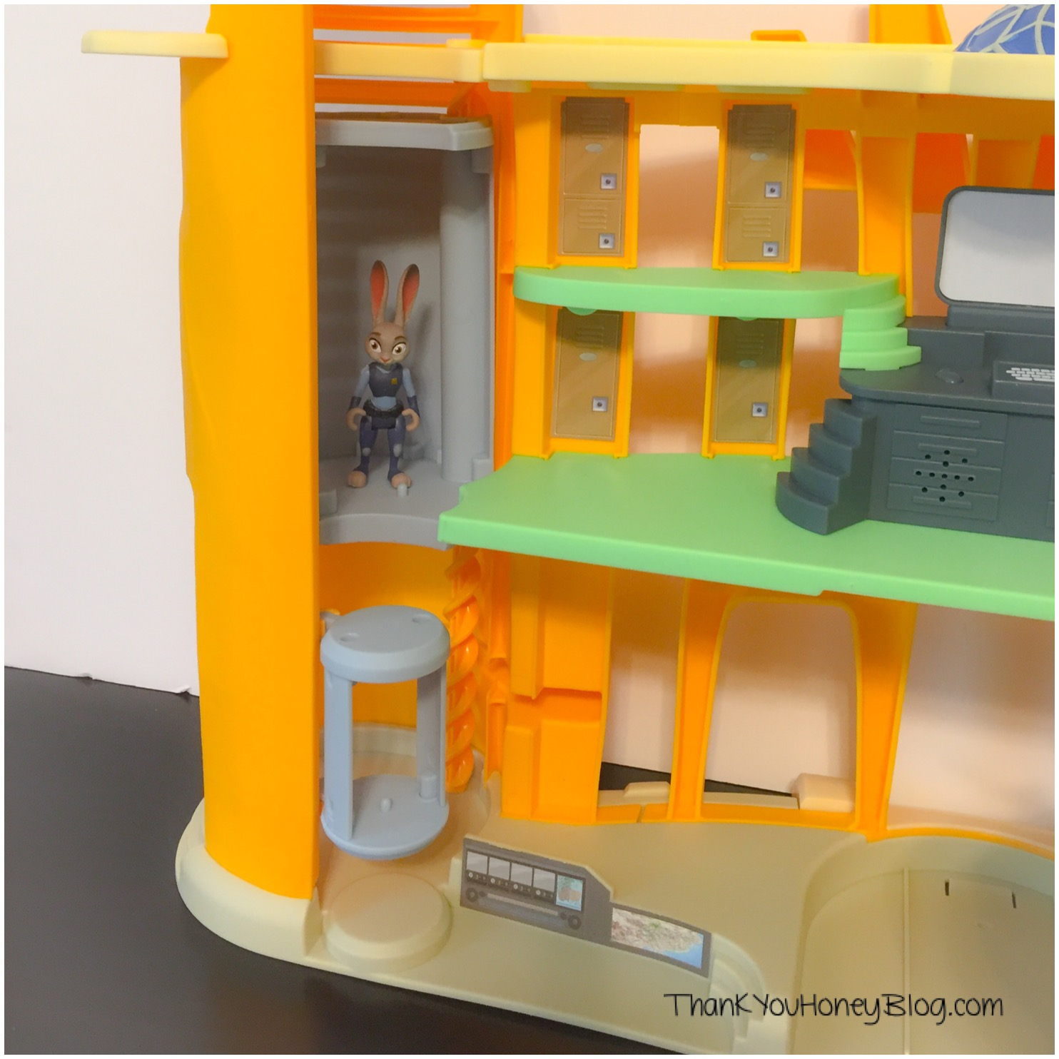 Zootopia Police Station Review